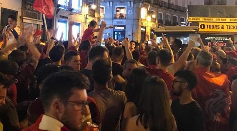 אוהדי ליברפול חוגגים ברחובות מדריד (אורן נתנזון)