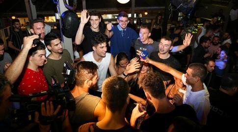 שחקני נבחרת העתודה של ישראל חוגגים (איציק בלניצקי)