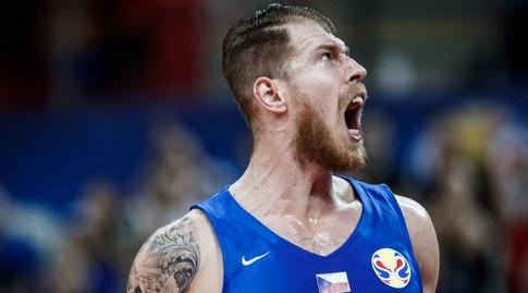 פטריק אודה חוגג (FIBA) (מערכת ONE)