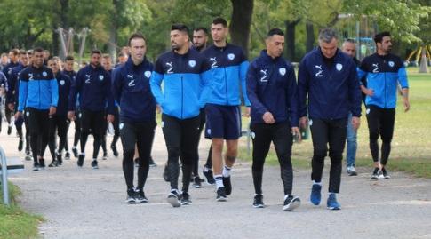 שחקני נבחרת ישראל מגיעים לאימון השחרור (ההתאחדות לכדורגל)