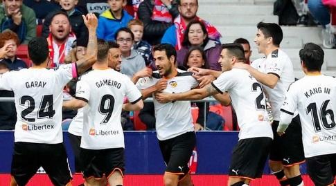שחקני ולנסיה חוגגים עם דני פארחו (La Liga)