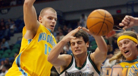 מאצ´יי לאמפה במדי ניו אורלינס. לא כיכב ב-NBA (רויטרס)