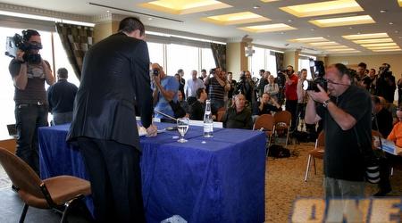 אייל ברקוביץ´. עשרות עיתונאים הגיעו למסיבת העיתונאים שלו (אמיר לוי)