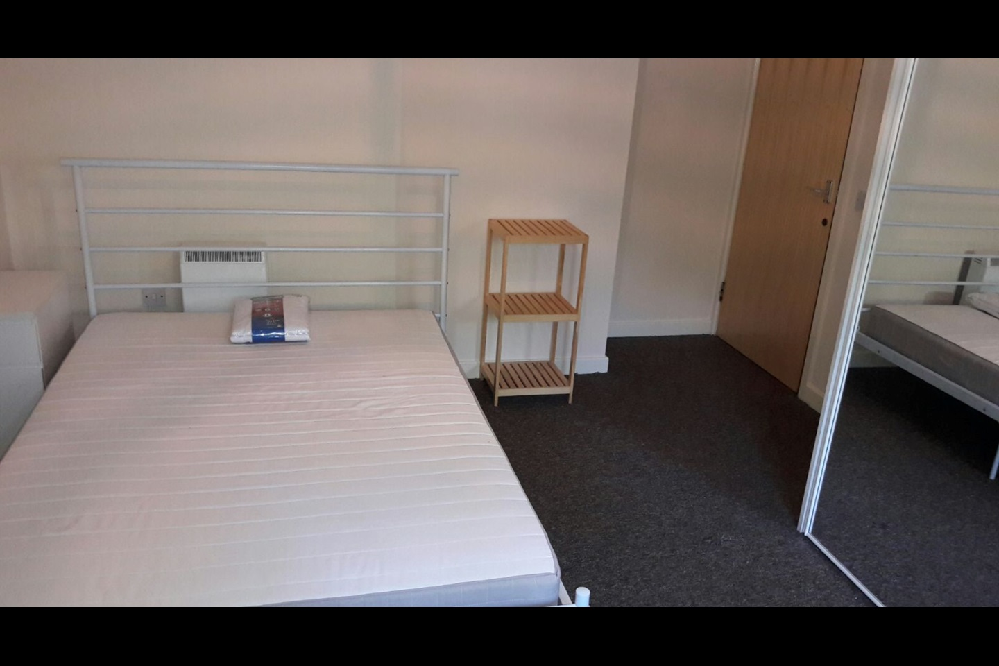 London 2 Bed Flat Plumstead Road Se18 To Rent Now For 1 P M