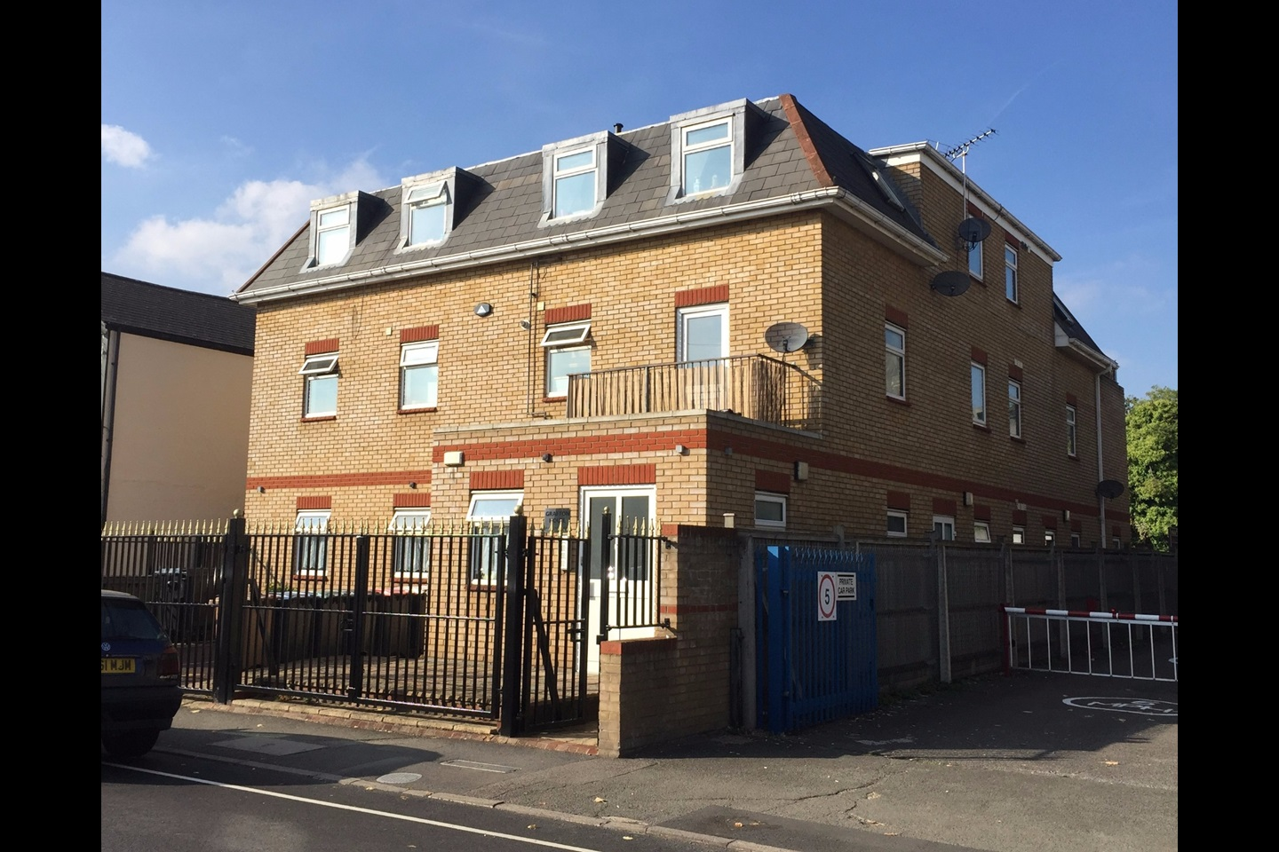 New Malden 2 Bed Flat Grafton House Kt3 To Rent Now