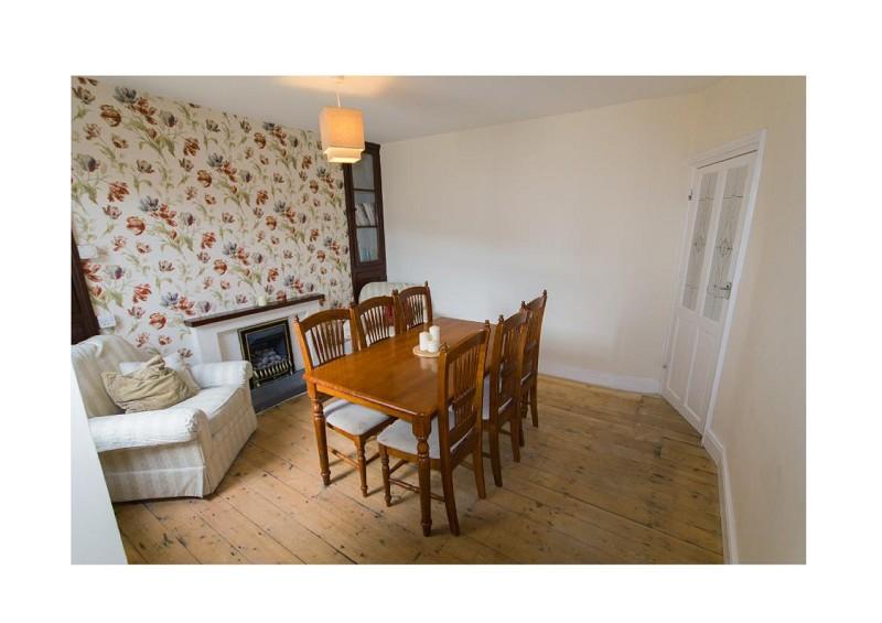 Treherbert 4 bed terraced house dumfries street cf42 for Q kitchen pontypridd
