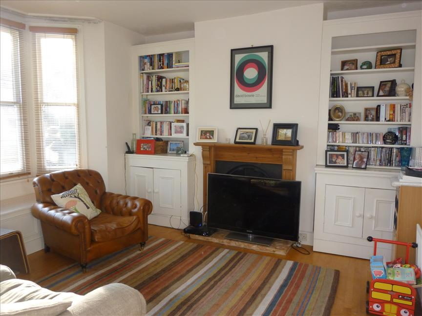 London 2 bed terraced house on calton ave se21 to rent now for 2 p m Victorian living room decorating ideas with pics