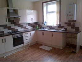 3 Bed Terraced House, Holmby Street, BB10