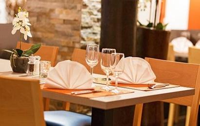 Restaurant Holz&Stein Tischgedeck