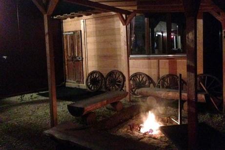 Lagerfeuer auf der GoWildWest-Ranch
