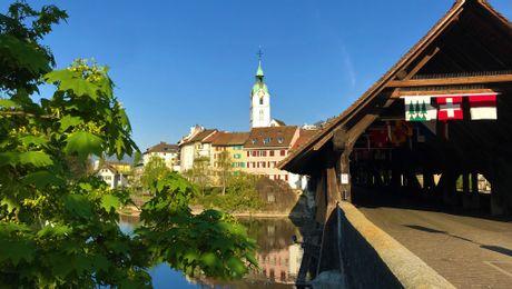Holzbrücke mit Altstadt Olten
