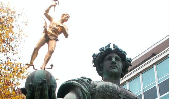 Skulptur Helvetia und Merkur