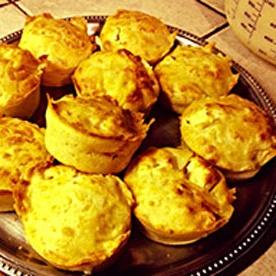 Muffins salés au chèvre, feta et emmental