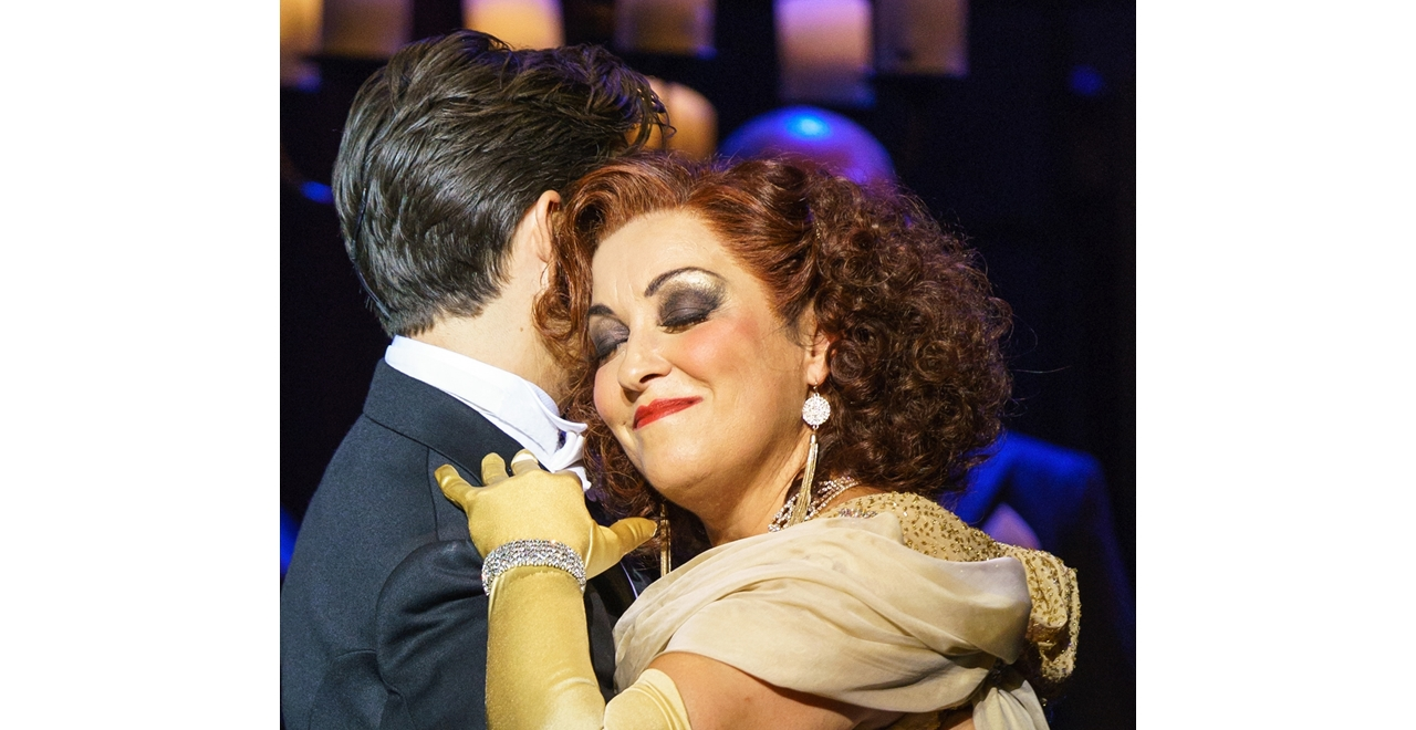 Danny Mac 'Joe Gillis' and Ria Jones 'Norma Desmond'. Photo by Manuel Harlan