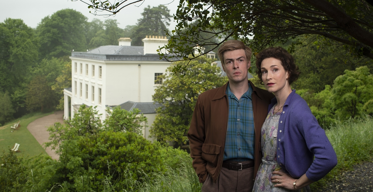 Sam Frenchum (Bruce Lovell) and Helen Bradbury (Cecily Harrington) at Greenway House, Brixham