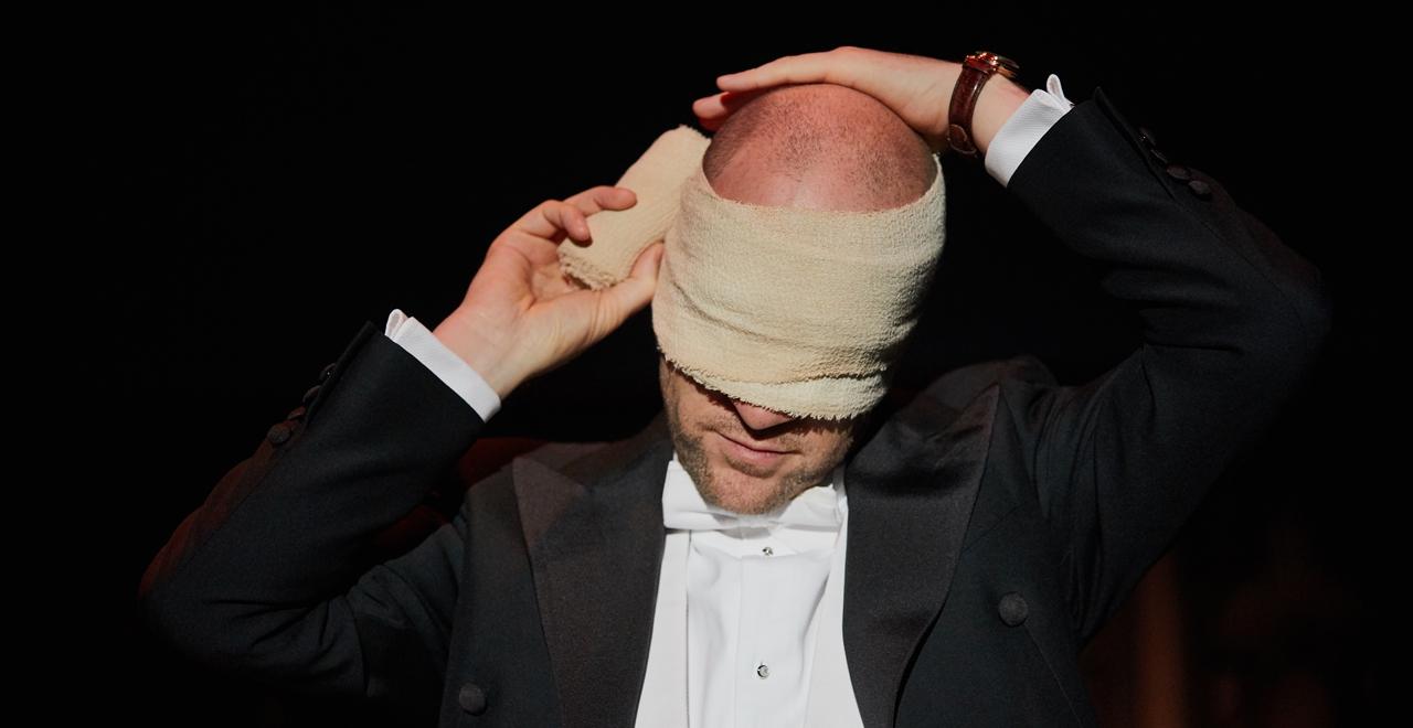 Derren Brown photo by Mark Douet