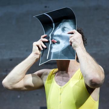 Die Welt im Rücken, Akademietheater, Wien