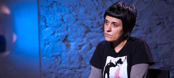 Anna Gabriel, diputada de la CUP, en una entrevista a VilaWeb (fotografia: Jordi Carreño)