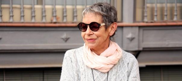 La guanyadora del 48è Premi d'Honor de les Lletres Catalanes, Maria-Antònia Oliver, a la seu d'Òmnium.