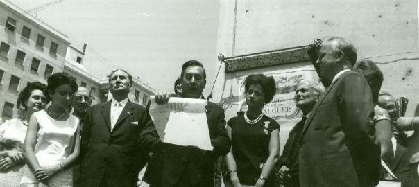Antoni Simon Mossa, parlant durant l'acte d'inauguració del carrer de l'Alguer a València (any 1962)