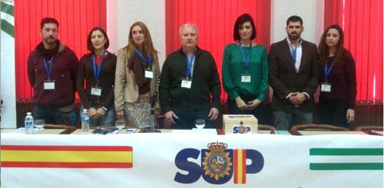 Policies i guàrdies civils demanen la dimissió de Fernández Díaz per 'conspiració contra polítics independentistes'