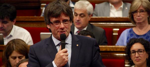El president de la Generalitat, Carles Puigdemont, al parlament.