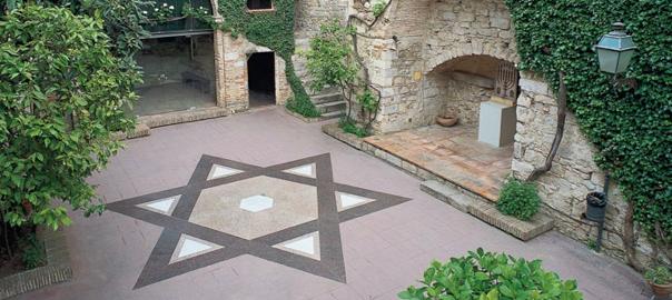 Pati interior d'una casa del call jueu de Girona (fotografia: Ajuntament de Girona).