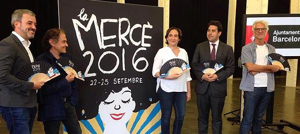 Presentació dels actes de la Mercè d'enguany, amb Ada Colau i Javier Pérez Andújar a banda i banda del cartell.