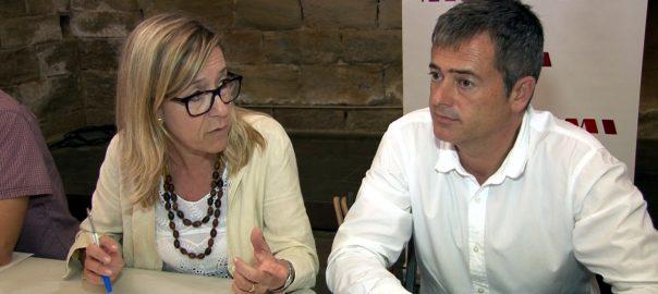 La presidenta de l'AMI, Neus Lloveras (al centre), amb el vice-president i betlle de l'Ametlla de Mar, Jordi Gaseni