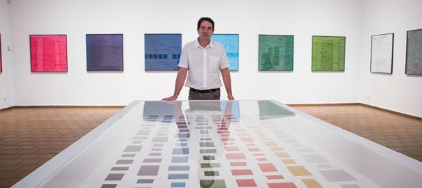 Ignasi Aballí a l'exposició 'Seqüència infinita', a la Fundació Miró.
