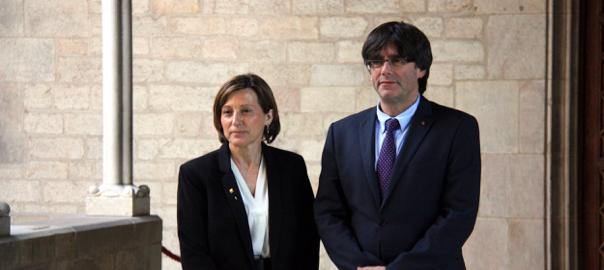 El president de la Generalitat, Carles Puigdemont, i la presidenta del Parlament, Carme Forcadell.