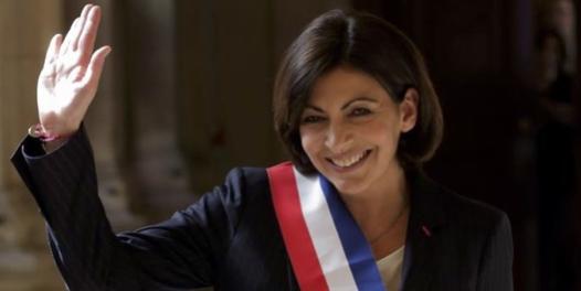 L'alcaldessa de París, Anne Hidalgo, una experta coneixedora del màrqueting mediàtic.
