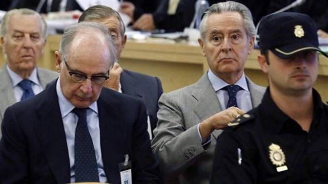 Rodrigo Rato i Miguel Blesa asseguts al banc dels acusats pel cas de les targetes opaques
