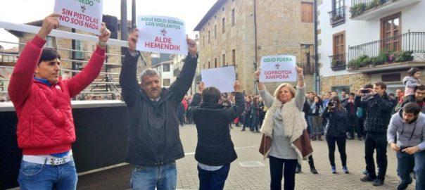 Manifestants a Altsasu.
