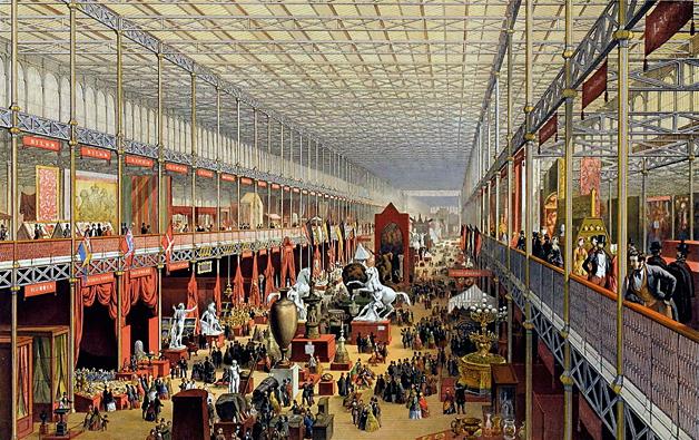 Quan Charles Darwin va publicar 'L'origen de les espècies', el país estava immers en un procés de diversificació industrial, especialització comercial i professional, tensió religiosa i intensa activitat colonial, i entre les classes mitjanes es parlava molt de «millores» i de «progrés». En la imatge, la litografia pintada de J. McNeven (1851) 'Departament estranger, vist cap al creuer' mostra l'interior del Palau de Vidre de Londres durant la Gran Exposició de 1851. / Victoria and Albert Museum, Londres