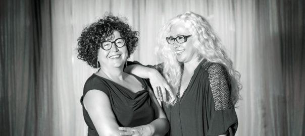 Rosa i Manola Roig, co-comissàries de l'exposició.