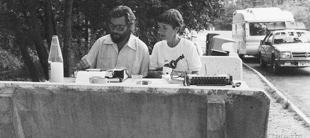 Julio Cortázar i Carol Dunlop durant el seu viatge atemporal de París a Marsella (1982).