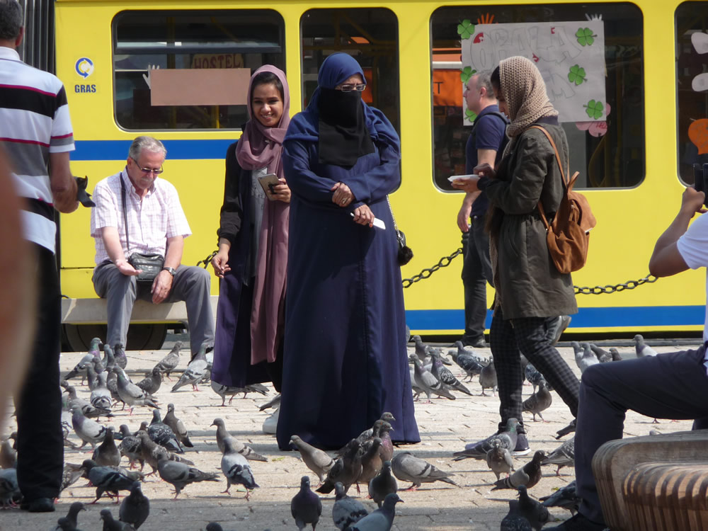 1.-Turistes al vell Sarajevo_OK