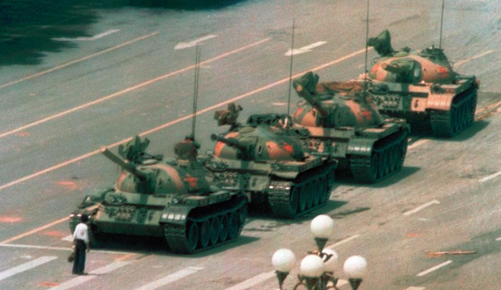 L'home del tanc de Jeff Widener (1989)