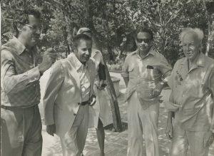 Ramon Trias Fargas, Gaston Thorn, J.B. Cendrós i el Dr. Trueta, jugant a la petanca (Hostal de la Gavina). JBC va ser un dels fundadors del partit polític Esquerra Democràtica de Catalunya (EDC), el 1975, de caire liberal europeu i profundament catalanista, juntament amb Trias Fargas.