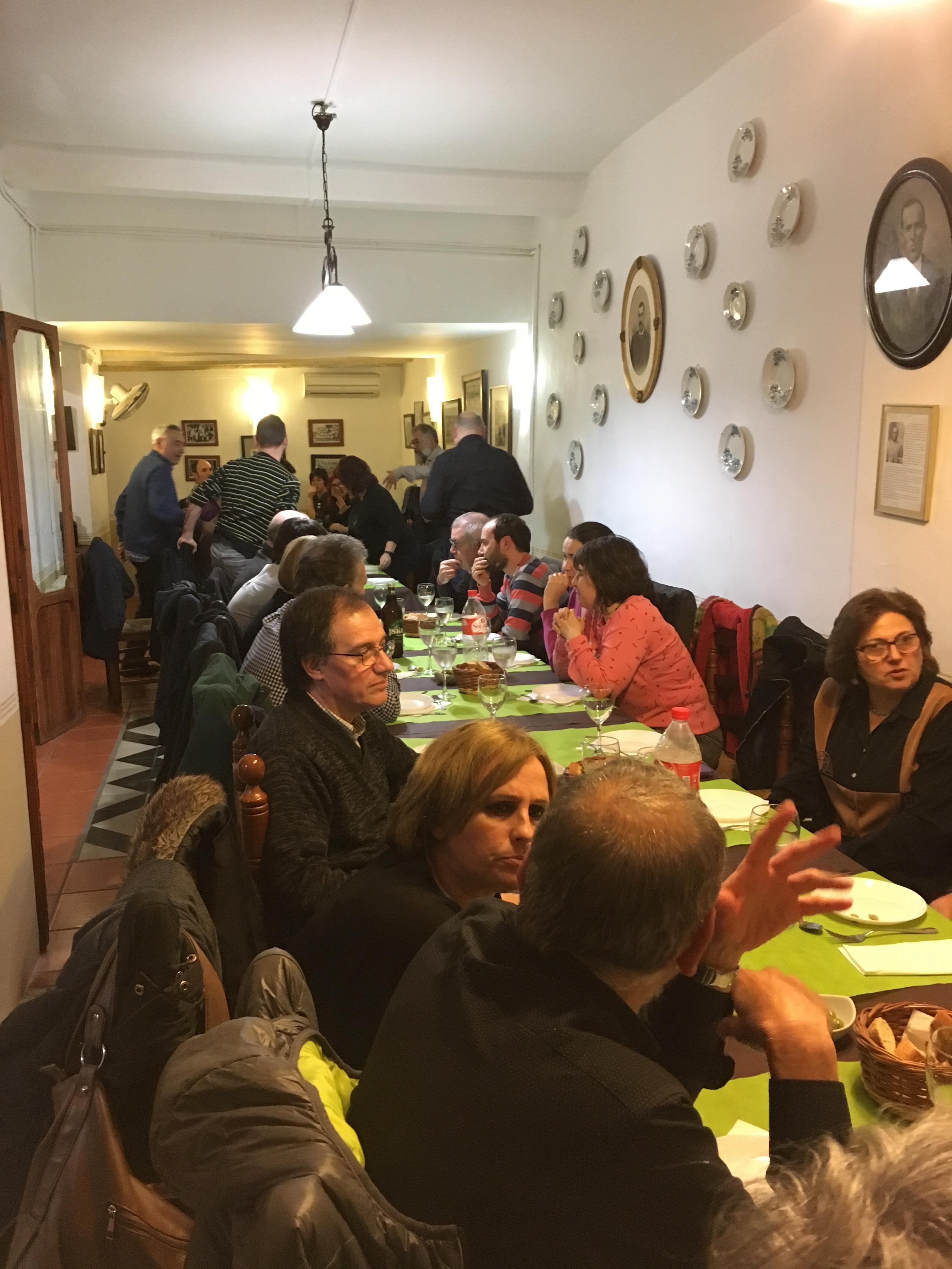 Un moment del sopar col·lectiu a Ca Les Senyoretes