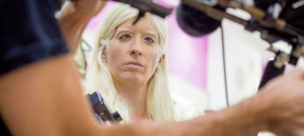 En la imatge, Patty Bonet en un moment del rodatge del curtmetratge '¿Lo ves?' / Flare Producciones