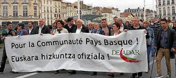 Manifestació en favor de l'oficialitat de la llengua basca a Euskadi Nord