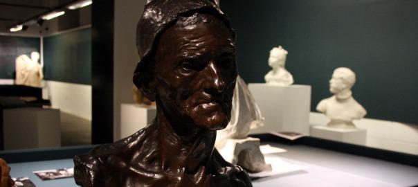 Una de les escultures que es podran veure a l'exposició que Olot dedicarà a Miquel Blay. Imatge d'aquest 31 d'agost del 2016. Pla mig de la peça. (Horitzontal)