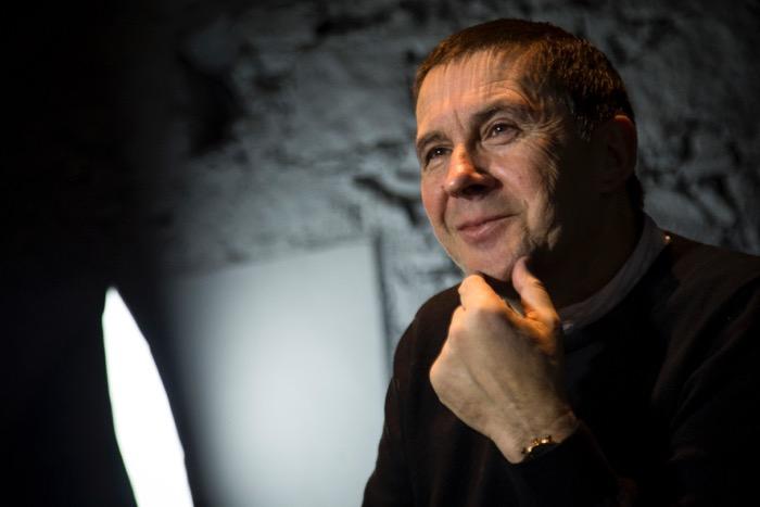 Arnaldo Otegi, durant l'entrevista (fotografia d'Albert Salamé).