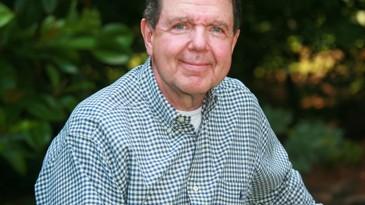 escritor de libros de autoayuda financiera Thomas J. Stanley