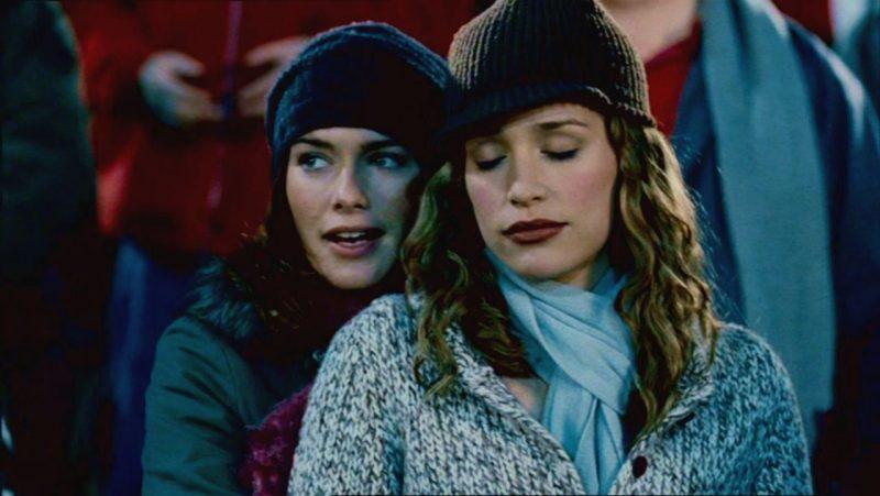 Piper Perabo (Rachel) y Lena Headey (Luce) en Rosas rojas