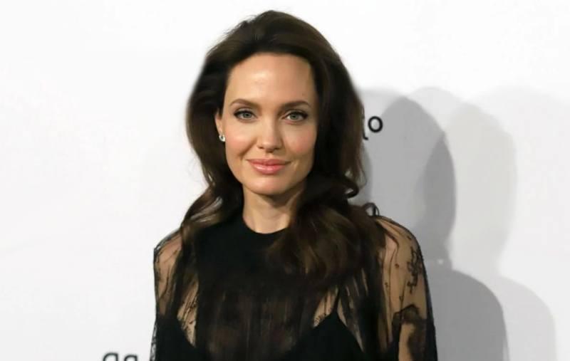 Angelina Jolie bisexual