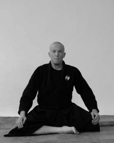 Fudoza, sitting combat stance