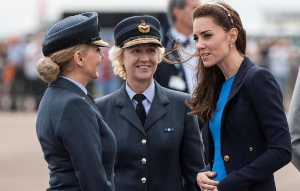 Air Commodore Dawn Mc Cafferty With Honorary Air Commandant The Duchess Of Cambridge And Honorary Group Captain Carol Vorderman